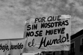 La economía desde el feminismo: trabajos y cuidados. Por Amaia Pérez Orozco y Sira del Río.